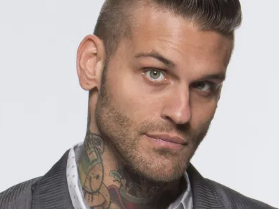 Corey Graves and Kevin Nash exchange words in regards to fans asking for pictures during meals